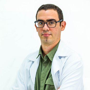 Dr. Ebrey León Aliz